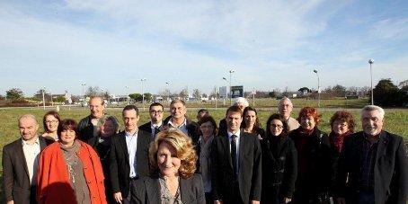 la-candidate-corinne-griffond-presente-les-membres-de-sa_1551488_800x4002